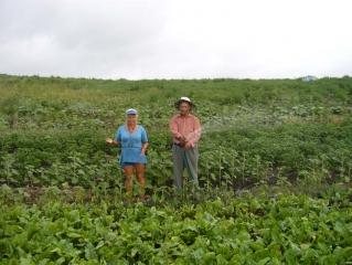 Огородница Нурия и агроном Феликс