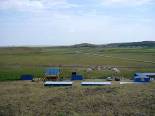 Вид с горы Богатства на нашу турбазу и заповедник Аркаим